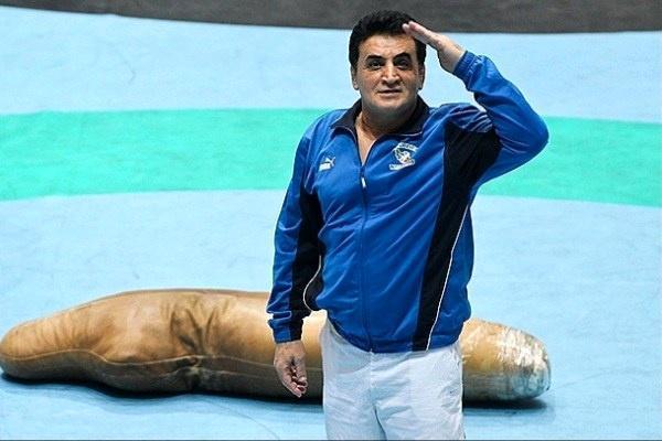 نظارت محمد بنا بر رقابت های کشتی فرنگی قهرمانی کشور