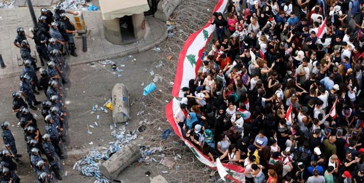 لبنان، بستن مسیرهای منتهی به مقر ریاست جمهوری و نخست وزیری با سیم های خاردار